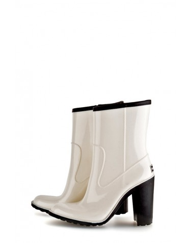 Wellies White & Zipper Short