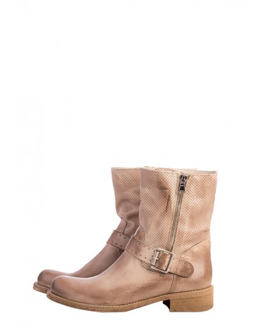 Buclke Leather Boots | Beige