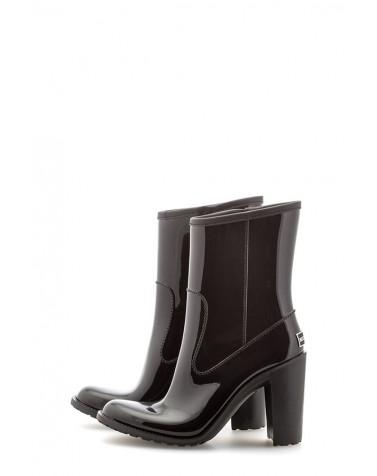 Wellies Black & Zipper Short